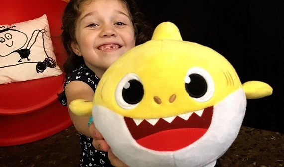 juguetes baby shark